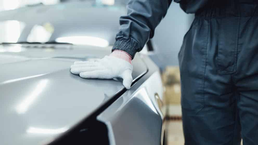 pasos para arreglar arañazos del coche